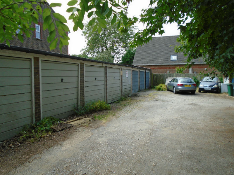 Croydon Road, Reigate – Lock up Garages